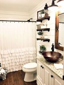 Stunning Rustic Farmhouse Bathroom Design Ideas 04