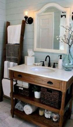 Stunning Rustic Farmhouse Bathroom Design Ideas 15