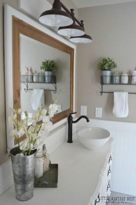 Stunning Rustic Farmhouse Bathroom Design Ideas 25