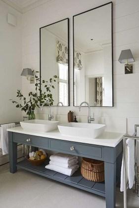 Stunning Rustic Farmhouse Bathroom Design Ideas 33