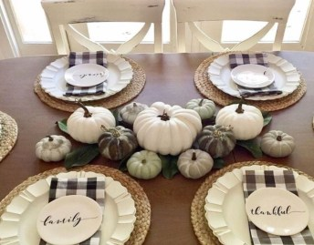 Amazing Fall Decorating Ideas To Transform Your Interiors 14