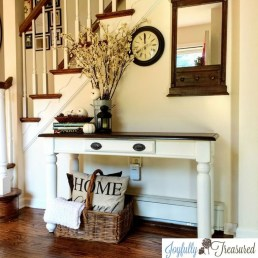 Awesome Fall Entryway Decoration Ideas That Will Make Your Neighbors Insanely Jealous 13