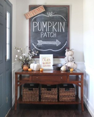 Awesome Fall Entryway Decoration Ideas That Will Make Your Neighbors Insanely Jealous 34