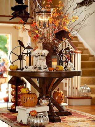 Awesome Fall Entryway Decoration Ideas That Will Make Your Neighbors Insanely Jealous 43