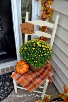 Awesome Fall Entryway Decoration Ideas That Will Make Your Neighbors Insanely Jealous 44