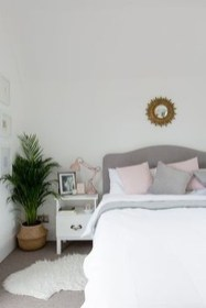 Beautiful White Bedroom Decoration That Will Inspire You 27