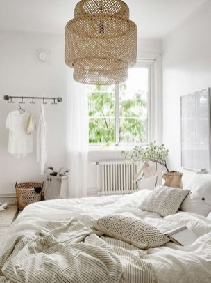 Beautiful White Bedroom Decoration That Will Inspire You 37