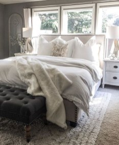Beautiful White Bedroom Decoration That Will Inspire You 45