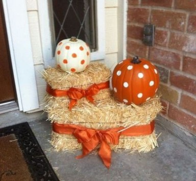 Easy Fall Porch Decoration Ideas To Make Unforgettable Moments 08