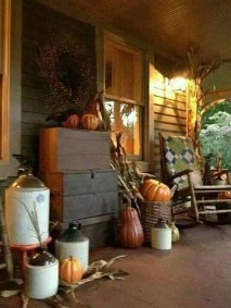 Easy Fall Porch Decoration Ideas To Make Unforgettable Moments 11