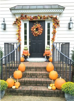 Easy Fall Porch Decoration Ideas To Make Unforgettable Moments 19