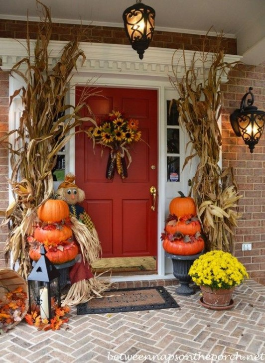 Easy Fall Porch Decoration Ideas To Make Unforgettable Moments 42
