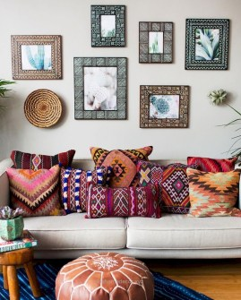 Elegant Bohemian Style Living Room Decoration Ideas 17