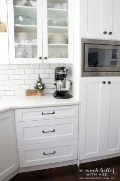 Elegant White Kitchen Cabinets For Your Kitchen 16