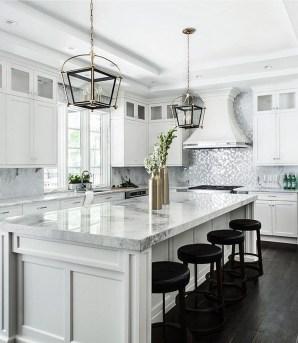 Elegant White Kitchen Cabinets For Your Kitchen 25