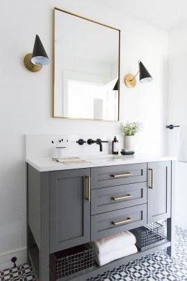 Fresh And Modern Bathroom Decoration Ideas 35