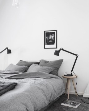 Modern And Simple Bedroom Design Ideas 25