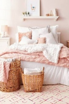Modern Colorful Bedroom Design Ideas For Your Daughter 23