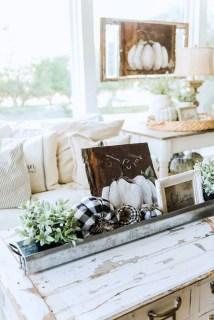 Stunning Fall Living Room Decoration Ideas 03