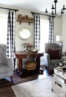 Stunning Fall Living Room Decoration Ideas 10