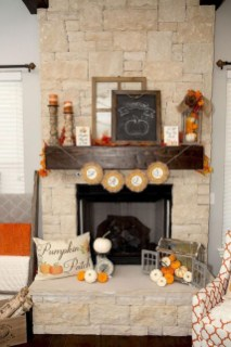 Stunning Fall Living Room Decoration Ideas 13