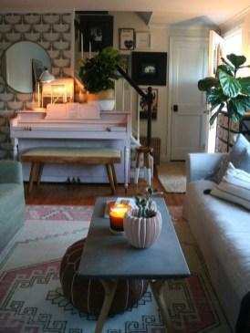 Stunning Fall Living Room Decoration Ideas 34