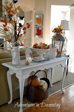Stunning Fall Living Room Decoration Ideas 45