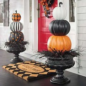 Top Halloween Outdoor Decorations To Terrify People 15