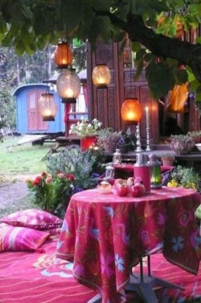 Awesome Bohemian Style Ideas For Outdoor Design 26