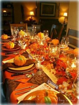 Beautiful Thanksgiving Table Decoration Ideas 37