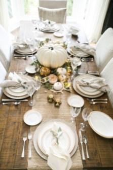 Beautiful Thanksgiving Table Decoration Ideas 39