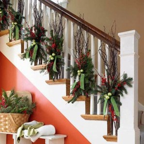 Best Christmas Decorations That Turn Your Staircase Into A Fairy Tale 30