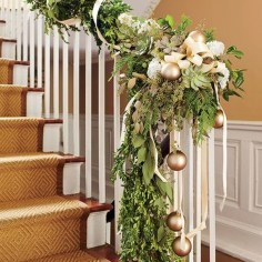Best Christmas Decorations That Turn Your Staircase Into A Fairy Tale 41