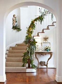 Best Christmas Decorations That Turn Your Staircase Into A Fairy Tale 47