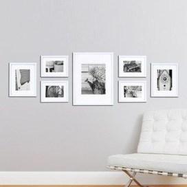 Brilliant Living Room Wall Gallery Design Ideas 18