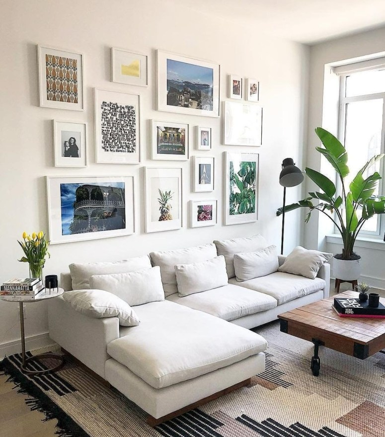 Brilliant Living Room Wall Gallery Design Ideas 23