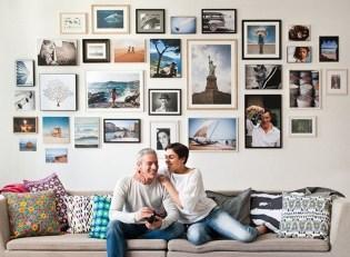 Brilliant Living Room Wall Gallery Design Ideas 40
