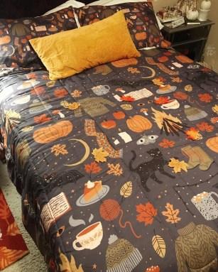 Cozy Fall Bedroom Decoration Ideas 17