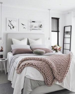 Cozy Fall Bedroom Decoration Ideas 26