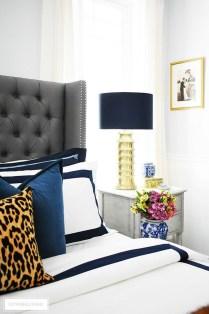 Cozy Fall Bedroom Decoration Ideas 27