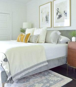 Cozy Fall Bedroom Decoration Ideas 35