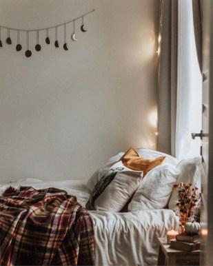 Cozy Fall Bedroom Decoration Ideas 51