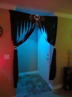 Creepy Decorations Ideas For A Frightening Halloween Party 36