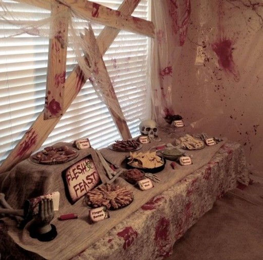 Creepy Decorations Ideas For A Frightening Halloween Party 51