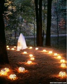 Elegant Outdoor Halloween Decoration Ideas 19