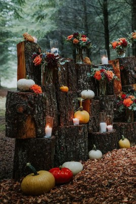 Elegant Outdoor Halloween Decoration Ideas 36