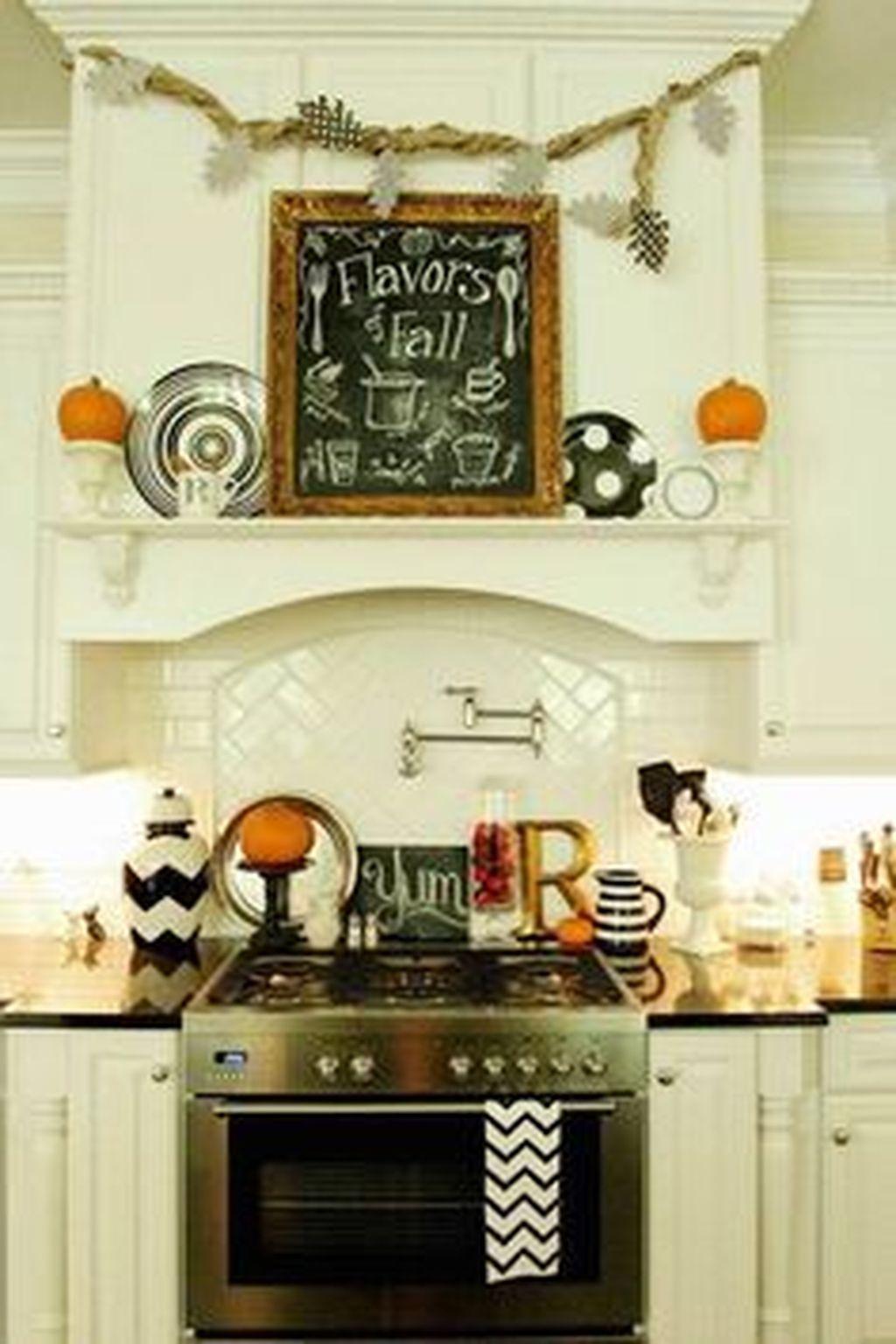 Fabulous Halloween Decoration Ideas For Your Kitchen 01