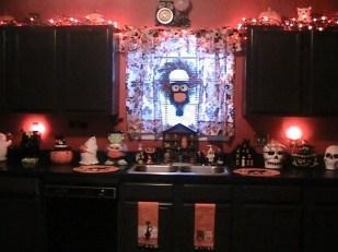 Fabulous Halloween Decoration Ideas For Your Kitchen 17