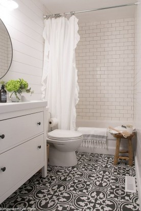 Outstanding DIY Bathroom Makeover Ideas On A Budget 09