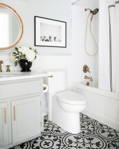 Outstanding DIY Bathroom Makeover Ideas On A Budget 37